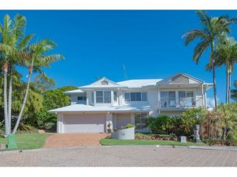 View profile: Privacy & Views In The Heart Of Noosa